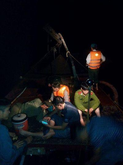 Cát tặc tung hoành sông Ngàn sâu, 3 huyện loay hoay... bó tay - ảnh 1