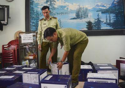 Đà Nẵng: Thu giữ xe container chở rượu ngoại không chứng từ, trị giá hơn 400 triệu - ảnh 1