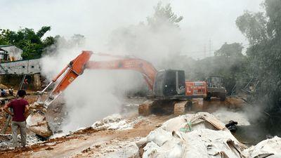 Lào Cai: Điều tra nguyên nhân, khắc phục sự cố vỡ đập nước thải - ảnh 1