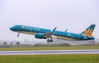 Do ảnh hưởng của bão Neoguri, Vietnam Airlines lùi giờ hàng loạt chuyến bay tới Nhật Bản - ảnh 1