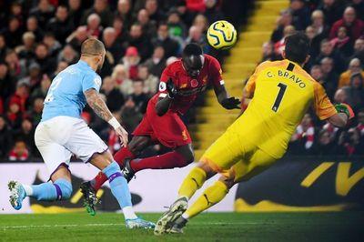 Chiến thắng Man City, Liverpool hy vọng chiếm ngôi vô địch giải Ngoại hạng Anh - ảnh 1