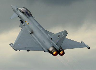 Tiêm kích của không quân Hoàng gia Anh bị S-400 của Nga suýt bắn rụng ở Syria - ảnh 1