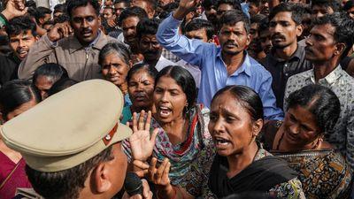 Ấn Độ: Đến tòa làm chứng, nạn nhân hiếp dâm bị thủ phạm thiêu chết - ảnh 1