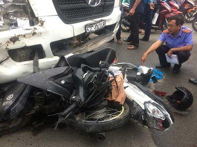"""""""Nhức nhối"""" số người tử vong vì tai nạn giao thông năm 2018 tại TP. Hồ Chí Minh - ảnh 1"""