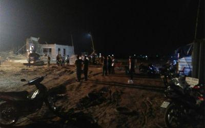 Nam Định: Sập giàn giáo xây dựng cây xăng 8 người thương vong - ảnh 1