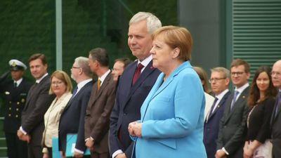 Căn bệnh khiến Thủ tướng Đức Angela Merkel run lẩy bẩy là gì? - ảnh 1