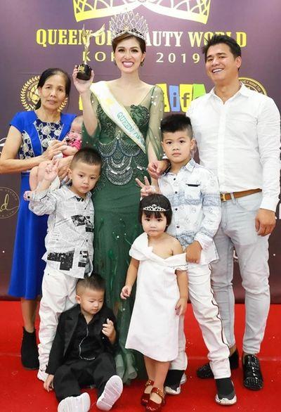 Bà mẹ 5 con vừa sinh nở xong vẫn đăng quang hoa hậu - ảnh 1