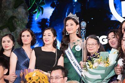 Trước tin đồn mua giải, mẹ tân hoa hậu Thế giới Việt Nam nói gì? - ảnh 1