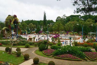 Dịp lễ 2/9 năm nay, khách sạn ở Đà Lạt giảm 2/3 giá phòng vẫn không đủ khách trọ - ảnh 1