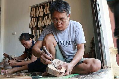 40 năm bền bỉ làm khuôn bánh trung thu, thợ mộc đã thoát nghèo - ảnh 1