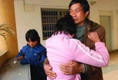 Thiếu sự chăm sóc của người mẹ, cả hai bố con đều mắc ung thư vì lý do này - ảnh 1