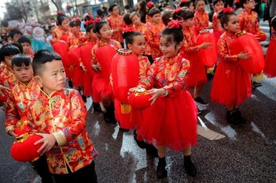 Chùm ảnh: Người dân các nước châu Á rộn ràng chuẩn bị đón năm mới Canh Tý 2020 - ảnh 1