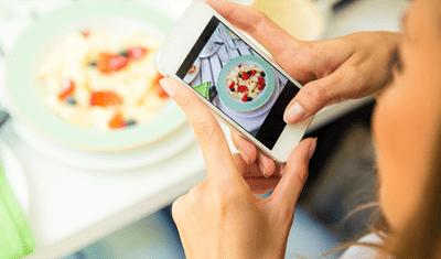 """Kết bạn """"ảo"""" trên mạng làm thay đổi thói quen ăn uống của mọi người - ảnh 1"""