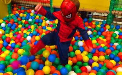 Cảnh báo những nguy hiểm cho trẻ em từ nơi vui chơi công cộng - ảnh 1