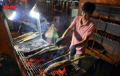 Ngày vía Thần Tài, cá lóc, hải sản ở TP.HCM