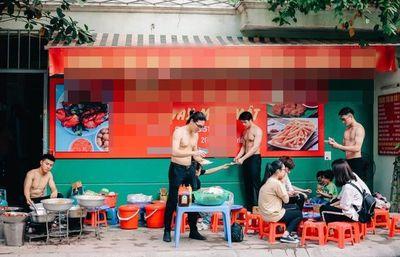 Chị em mê mệt với dàn mỹ nam thể hình bán sầu riêng ở Thái Lan - ảnh 1