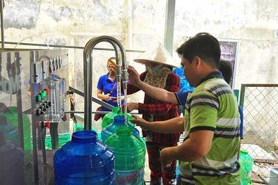 Tặng 3 hệ thống lọc nước nhiễm mặn thành nước ngọt cho người dân Cà Mau - ảnh 1