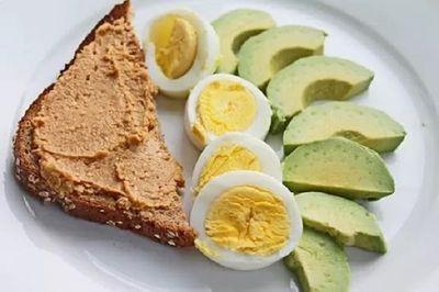 Những món ăn sáng tàn phá sức khỏe của con, mẹ cần loại bỏ ngay - ảnh 1