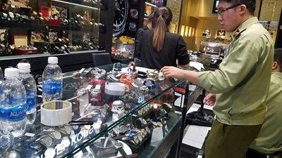 Hàng trăm đồng hồ Rolex, Hublot.. bán với giá chỉ từ 400.000 đồng - ảnh 1
