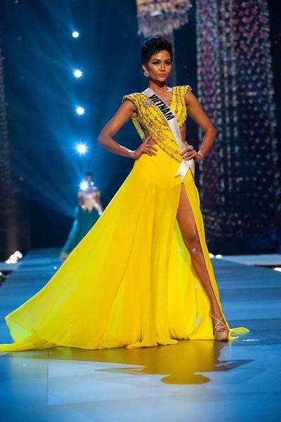 Trở về từ Miss Universe, H