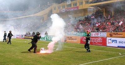 Tân vương V.League Hà Nội FC nhận án phạt ngay sau khi vô địch - ảnh 1