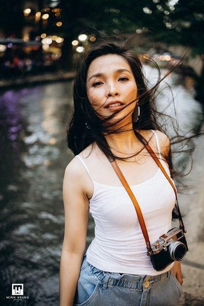 """Hiền Thục hóa """"nàng thơ"""" đẹp không tỳ vết với áo trắng giản đơn - ảnh 1"""