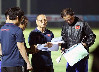 HLV Park Hang-seo chốt danh sách tuyển Việt Nam gặp Malaysia, Indonesia - ảnh 1