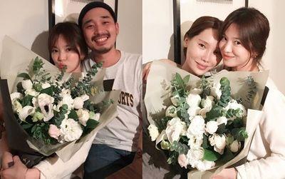 """Song Hye Kyo vướng tin quay lại với Song Joong Ki vì chiếc nhẫn """"khả nghi"""" - ảnh 1"""