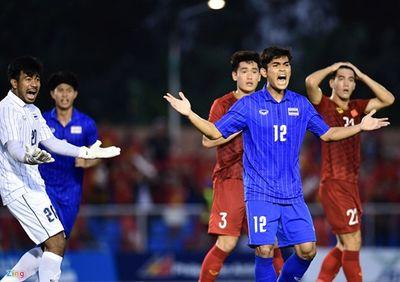 Thủ môn U22 Thái Lan: Thật vớ vẩn khi trọng tài cho đá lại phạt đền - ảnh 1