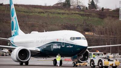 Nhiều nước tạm dừng sử dụng 737 MAX 8, cổ phiếu Boeing rớt giá sau thảm họa ở Ethiopia - ảnh 1