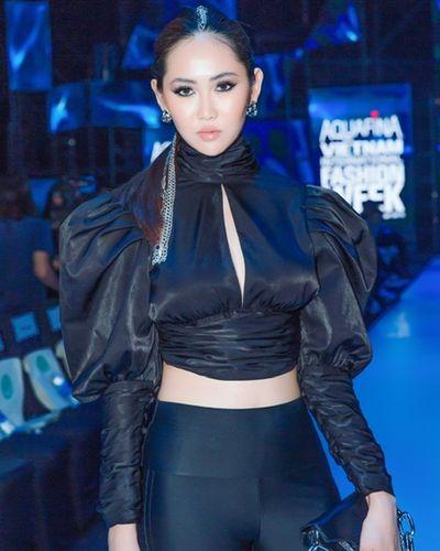 """Thảm đỏ Vietnam International Fashion Week 2019: Phương Khánh hóa nữ bá tước, Ngọc Trinh """"soái tỷ"""" siêu ngầu - ảnh 1"""