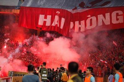 CLB Hải Phòng tiếp tục nộp phạt vì pháo sáng ở vòng 13 V-League 2019 - ảnh 1
