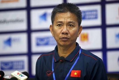 HLV Hoàng Anh Tuấn từ chức sau trận thua sốc trước U18 Campuchia - ảnh 1