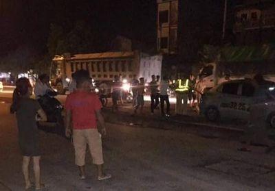 Xác định danh tính 3 người đàn ông tấn công CSGT ở Hà Nội - ảnh 1