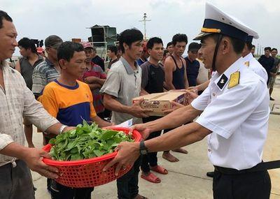 Đảo Sinh Tồn hỗ trợ 46 ngư dân gặp nạn trên biển - ảnh 1