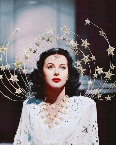 """""""Đứng hình"""" trước những khoảnh khắc đẹp xuất thần của dàn mỹ nhân đình đám Hollywood - ảnh 1"""