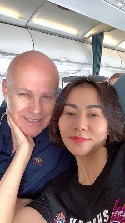 Sao Việt dịp Valentine 2020: Người khoe quà hàng hiệu, kẻ cô đơn lẻ bóng - ảnh 1