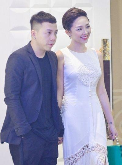 Rộ tin Tóc Tiên và Hoàng Touliver làm đám cưới vào 20/2 - ảnh 1
