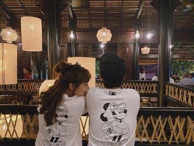 """Trường Giang - Nhã Phương diện đồ đôi, """"trốn con"""" đi du lịch - ảnh 1"""
