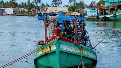 Cà Mau: Tìm thấy thi thể 3 ngư dân trong tàu cá chìm trên biển - ảnh 1