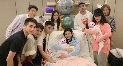 Siêu mẫu nội y xứ Trung được mẹ chồng thưởng biệt thự hơn nghìn tỷ vì sinh quý tử đầu lòng - ảnh 1