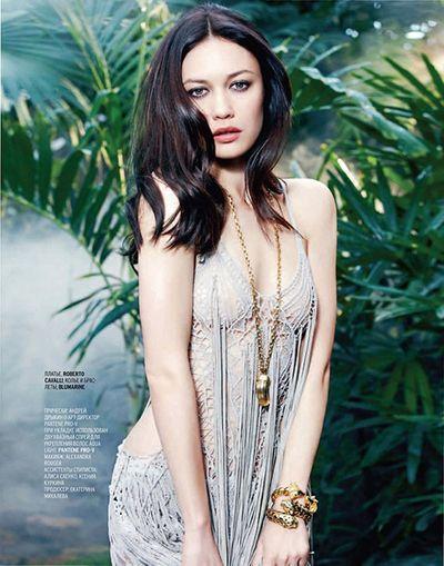 """""""Bond Girl"""" Olga Kurylenko nhiễm Covid-19, đang cách ly ở nhà - ảnh 1"""