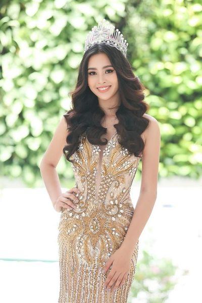 Hoa hậu Tiểu Vy nói gì sau khi hay tin Chủ tịch Miss World nhiễm Covid-19? - ảnh 1
