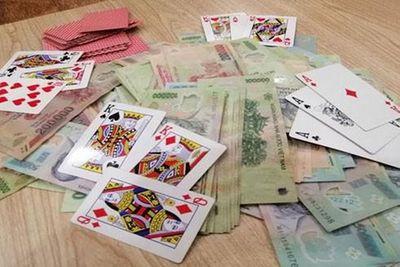 Bắc Giang: Triệt phá ổ nhóm đánh bạc, bắt giữ 7 đối tượng - ảnh 1