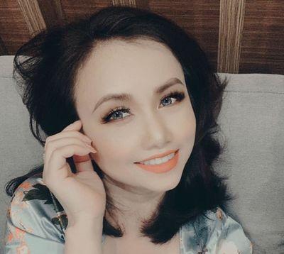"""Vẻ đẹp khác lạ khiến """"cô Xuyến"""" Hoàng Yến vướng tin đồn phẫu thuật thẩm mỹ - ảnh 1"""