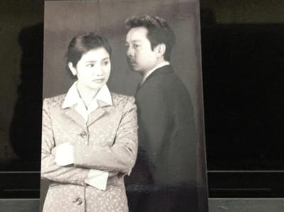 Ảnh thời trẻ của NSND Hoàng Dũng cùng những người đẹp màn ảnh Trà Giang, Thu Hà - ảnh 1