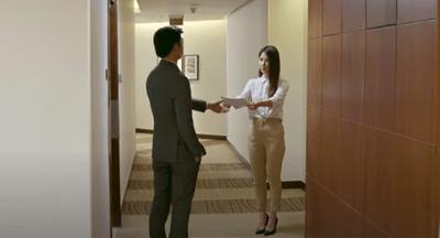 """Tình yêu và tham vọng tập 17: Linh từ chức ở Hoàng Thổ, Phong bị người tình """"úp sọt"""" - ảnh 1"""