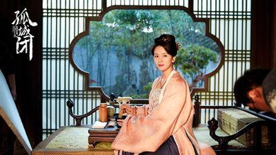 Nữ diễn viên xấu tính nổi tiếng Cbiz, mang tiền vào đoàn phim chèn ép Triệu Lệ Dĩnh - ảnh 1