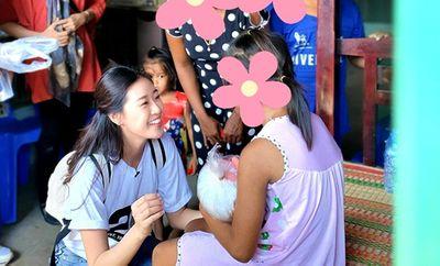Hoa hậu Khánh Vân giúp đỡ các bé gái bị lạm dụng ở Sóc Trăng - ảnh 1