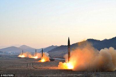 Triều Tiên bị nghi tìm cách đưa vi khuẩn bệnh nhiễm khuẩn cấp tính vào tên lửa - ảnh 1